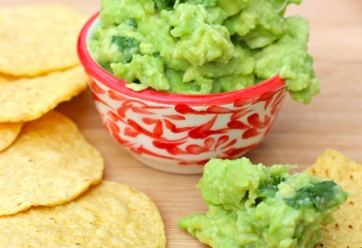 Simple Guacamole |mycolombianrecipes.com