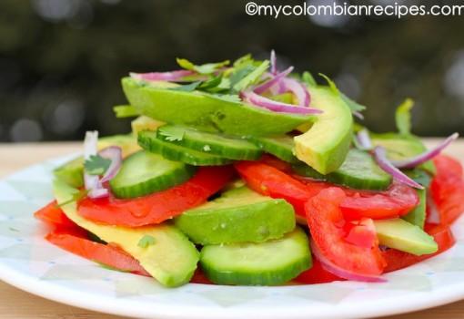"<span class=""p-name"">Ensalada de Aguacate y Tomate (Avocado and Tomato Salad)</span>"
