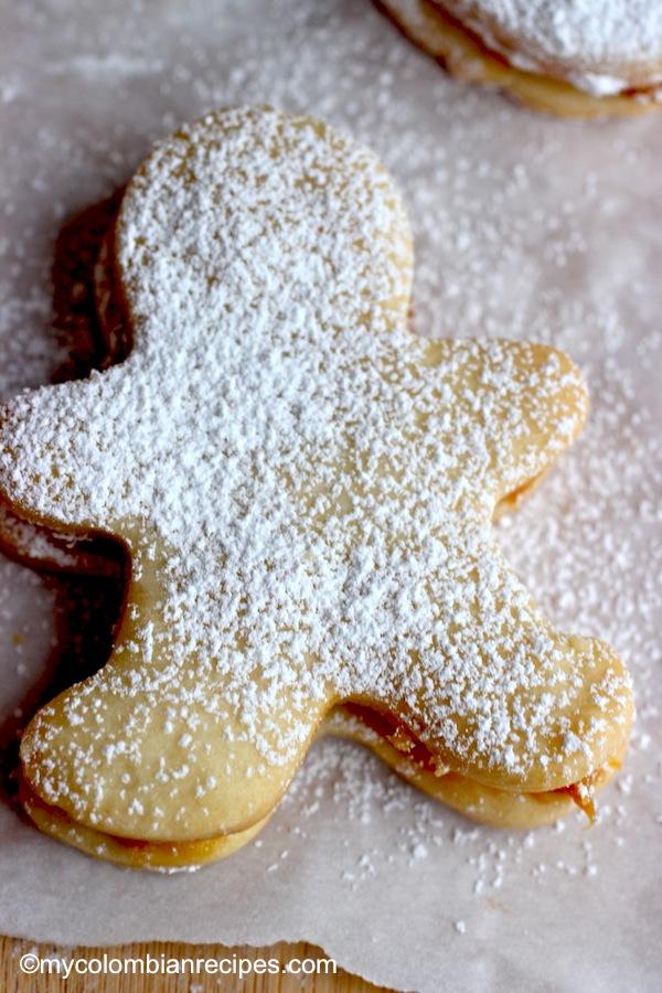 Alfajores (Dulce de Leche Cookie Sandwich)
