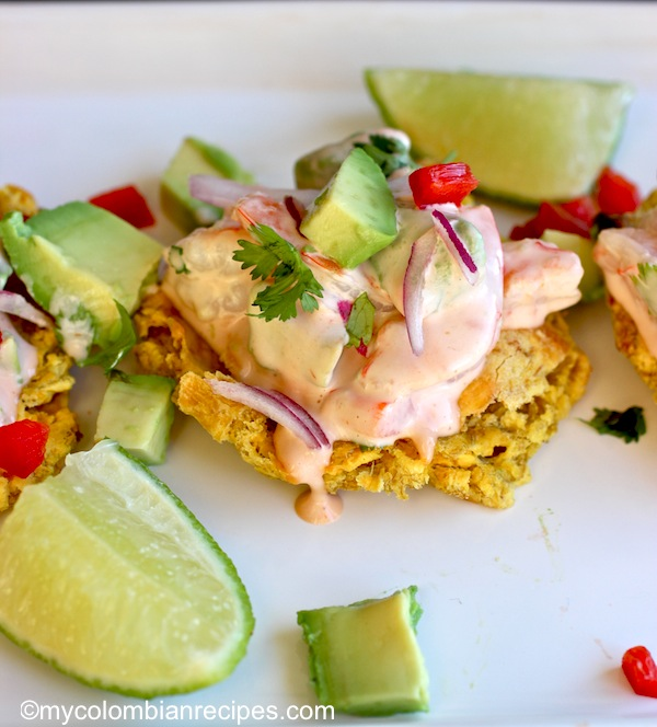Patacones con Camarón y Aguacate (Fried Green Plantain with Shrimp and Avocado)