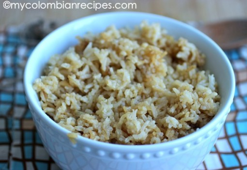 Rice with Caramelized Onions (Arroz con Cebolla al Caramelo) |mycolombianrecipes.com