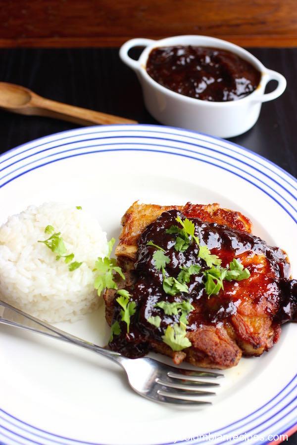 Pork Cops with Prune Sauce (Chuleta con Salsa de Ciruela)|mycolombianrecipes.com