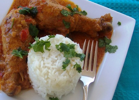 Chicken with Coconut Sauce or Pollo en Salsa de Coco