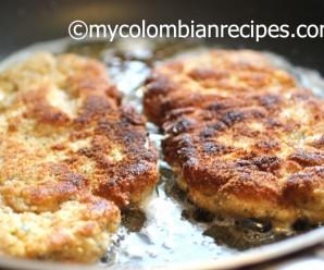 Chuleta Valluna (Colombian-Style Breaded Pork) |mycolombianrecipes.com