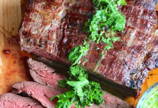 Steak with Chimichurri Sauce (Carne con Chimichurri) |mycolombianrecipes.com