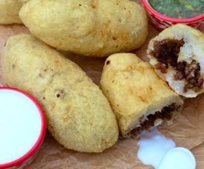Carimañola (Meat and Cheese Stuffed Yuca) |mycolombianrecipes.com