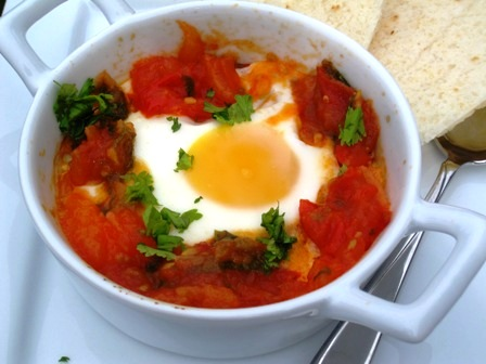 Baked Eggs With Colombian Style Tomato And Onion Sauce Huevos Con Hogao My Colombian Recipes