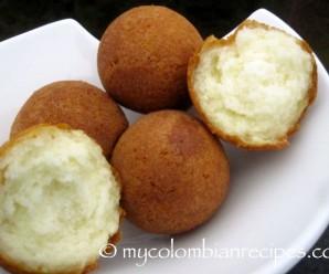 Buñuelos Colombianos (Colombian Buñuelos)|mycolombianrecipes.com
