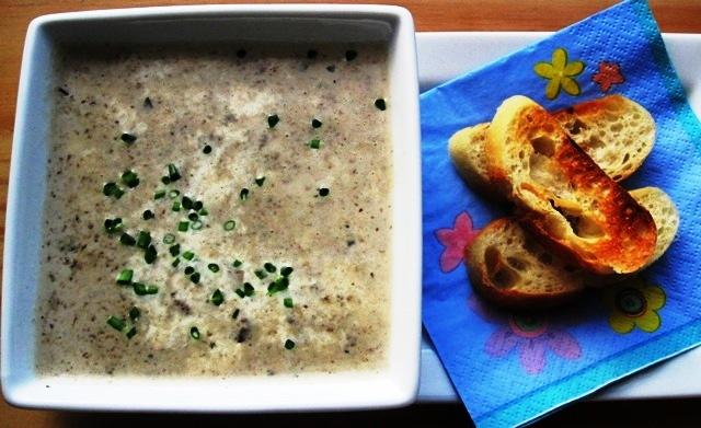 Crema de Champiñones (Mushroom Soup) |mycolombianrecipes.com