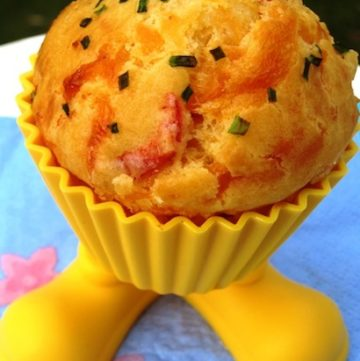 Roasted Peppers and Cheddar Cupcakes