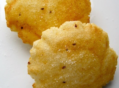 Arepuela o Anisita (Colombian Sweet Arepa)|mycolombianrecipes.com
