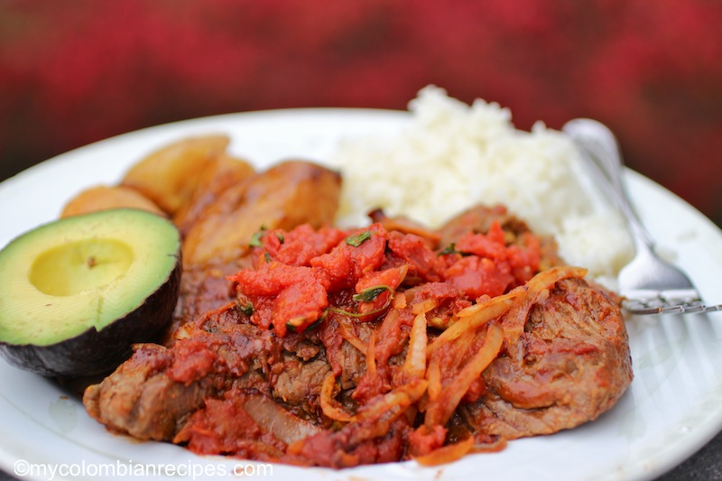 Bistec a la Criolla ( Colombian -Style Creole Steak)