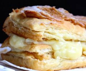 Milhojas con Arequipe (Colombian Dulce de Leche Pastry) |mycolombianrecipes.com