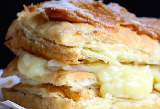 "<span class=""p-name"">Milhojas con Arequipe (Colombian Dulce de Leche Pastry)</span>"