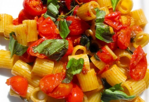 "<span class=""p-name"">Pasta with Grape Tomatoes and Basil</span>"