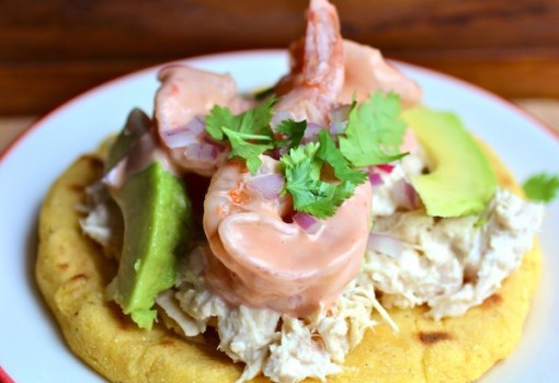 "<span class=""p-name"">Arepa con Atún y Camarones (Arepa with Tuna and Shrimp)</span>"