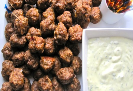 Mini Meat Balls with Garlic and Basil Sauce