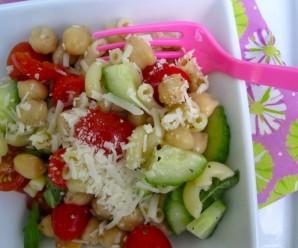 Pasta and Chickpeas Salad