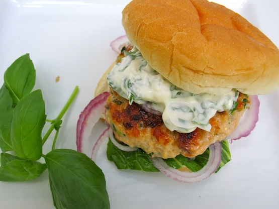 Salmon Burgers with Basil-Garlic Mayo | My Colombian Recipes