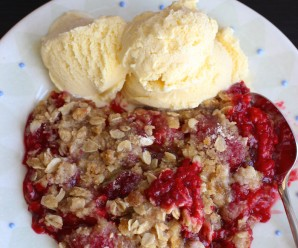 Strawberry Crisp |mycolombianrecipes.com