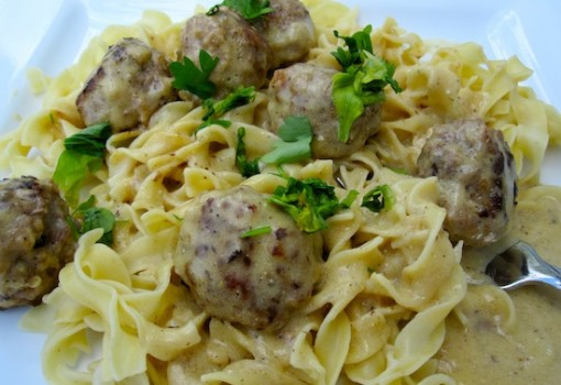 "<span class=""p-name"">Swedish Meatballs with Noodles</span>"
