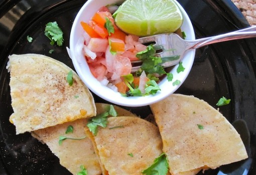 "<span class=""p-name"">Quesadillas de Camarones (Shrimp Quesadillas)</span>"