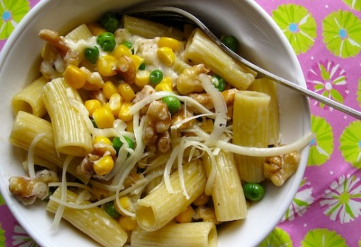 Pasta With Walnuts And Vegetables