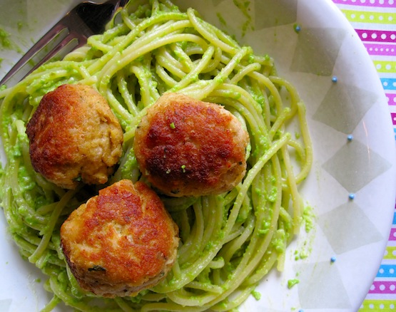 Pasta with pea Pesto and Tuna Balls