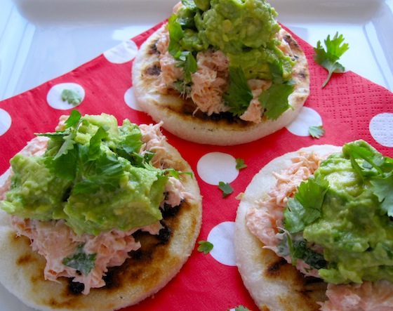 Arepas with salmon y Aguacate