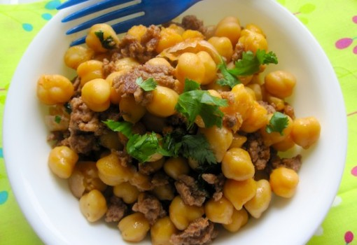 "<span class=""p-name"">Chickpeas with Ground Meat (Garbanzos con Carne Molida)</span>"