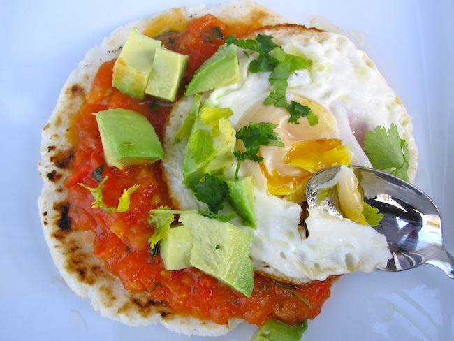 Arepa with egg, hogao and aguacate