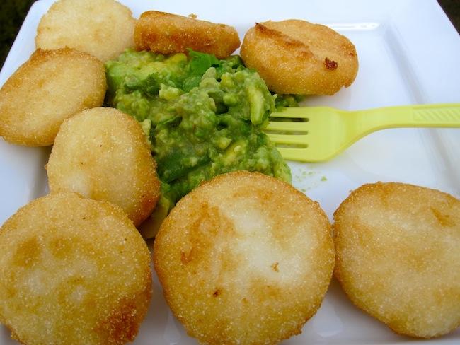 Arepas Fritas con Guacamole
