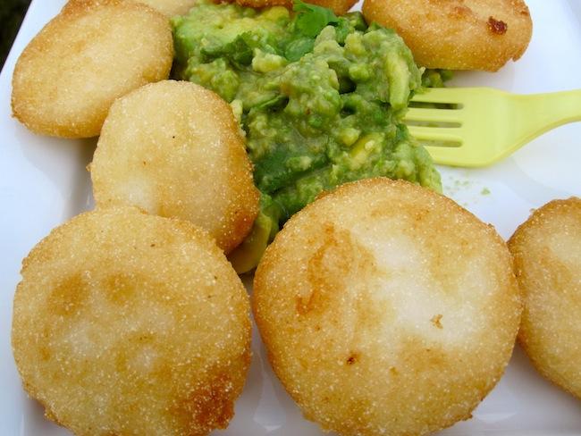 Arepitas Fritas con Guacamole
