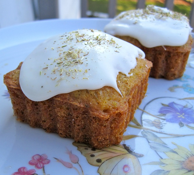 Mini Chamomile with Honey Frosting