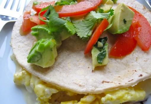 """<span class=""""p-name"""">Quesadilla para el Desayuno (Breakfast Quesadilla)</span>"""
