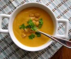 Crema de Garbanzos (Chickpeas Pureed Soup)