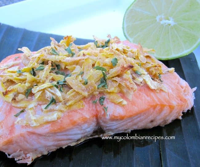 Salmón con Plátano Verde (Salmon with Green Plantain Crust)