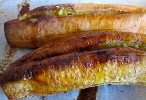 "<span class=""p-name"">Plátanos Maduros Rellenos de Carne (Ripe Plantains Stuffed with Meat)</span>"