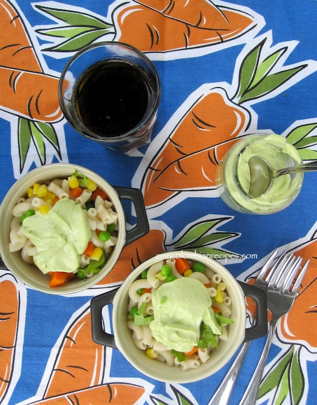 Macaroni Salad with Avocado Dressing (Ensalada de Coditos con Aderezo de Aguacate)