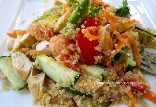 """<span class=""""p-name"""">Ensalada de Quinoa y Pollo (Quinoa Chicken Salad)</span>"""
