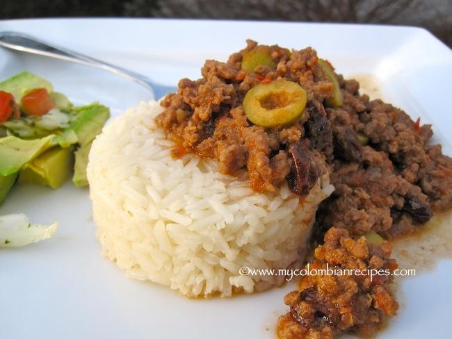 Picadillo Cubano (Cuban Ground Beef Dish)