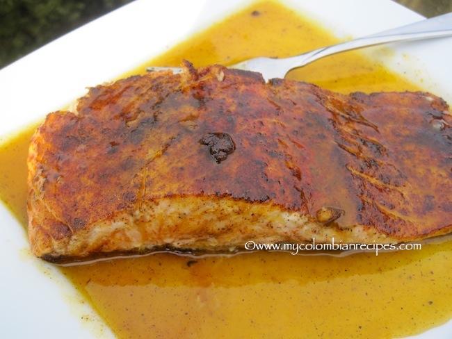 Salmón con Salsa de Mandarina (Salmon with Tangerine sauce)