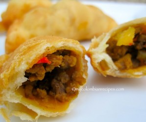 Empanaditas de Carne (Small Beef Turnovers)