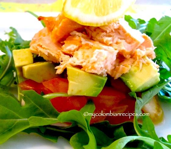Ensalada de Salmón y Aguacate (Salmon and Avocado Salad)