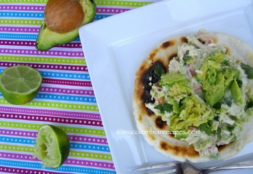 "<span class=""p-name"">Arepa Reina Pepiada (Arepa with Shredded Chicken and Avocado)</span>"