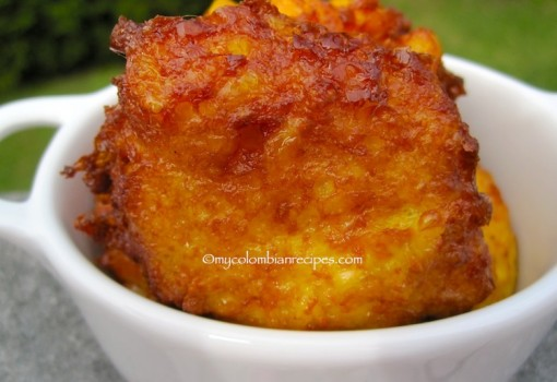 Regañonas (Colombian Corn Fritters) |mycolombianrecipes.com