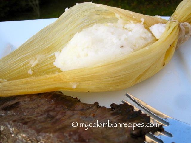 Bollo Limpio (Boiled Hominy Corn Rolls)