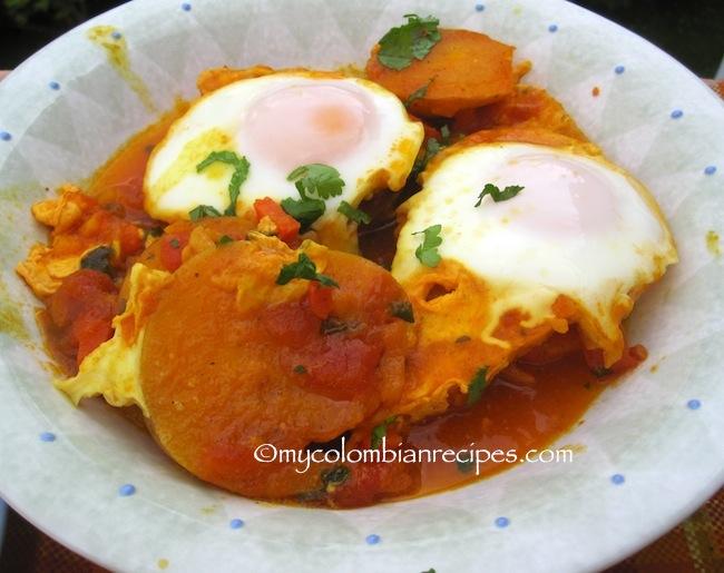 Sudado o Sudao de Huevo (Colombian-Style Egg Stew)