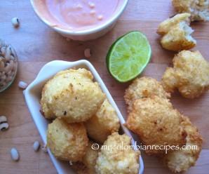 Buñuelos de Fríjol de Cabecita Negra (Black-eyed Pea Fritters) |mycolombianrecipes.com