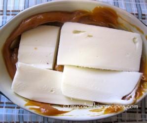 Dip de Arequipe con Queso (Dulce de Leche and Cheese Dip)